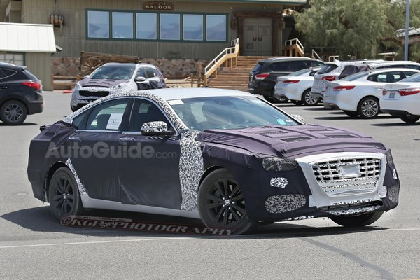 2018-hyundai-genesis-sedan-spy-photos-05 [640x480]