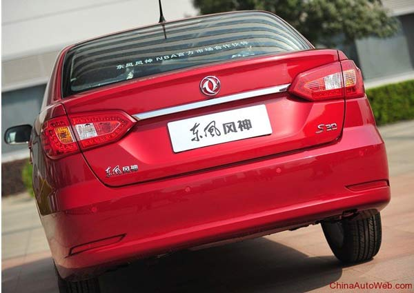 dongfeng-fengshen-s30-2013-009