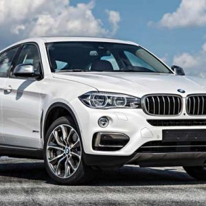 2015-BMW-X6-xDrive50i-front-three-quarter-view-1