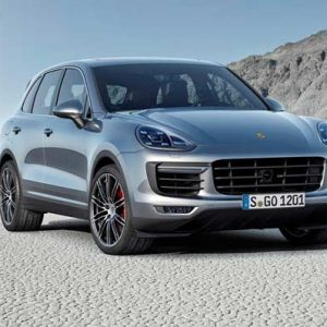 2015-Porsche-Cayenne-Turbo-front-view1