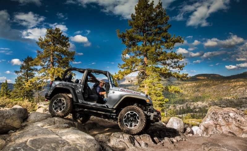 2017-Jeep-Wrangler-114-876x535 (Copy)