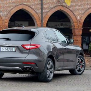 2017-Maserati-Levante-rear-three-quarter-02