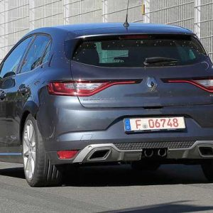 renault-megane-rs-development-mule-spied-04