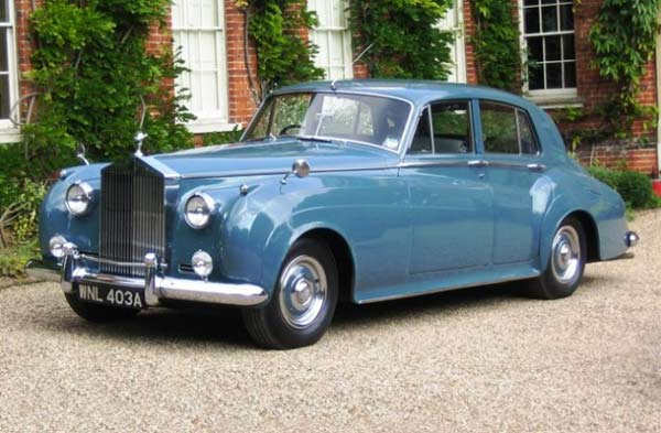 rolls_royce_silver_cloud_i_1956_licence_plate_1963_castle_hedingham_2008-630x413
