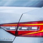 skoda-superb-rear-badge_0