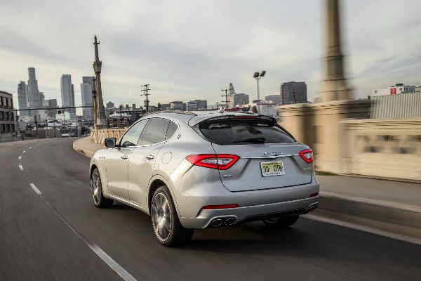 2017-maserati-levante-sq4-rear-three-quarter-in-motion