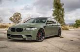 بیامو M5 در رنگ سبز نظامی خشمگین به نظر میرسد!