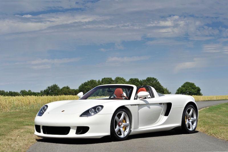 Porsche-Carrera-GT-1