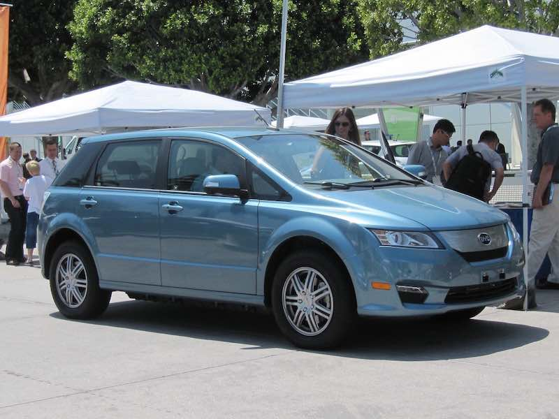 chinese-battery-electric-crossover-byd-e6-test-drive-los-angeles-may-2012_100390055_h