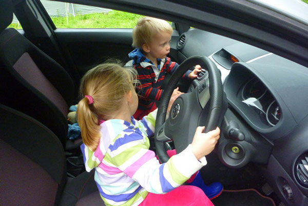 kids-driving-1