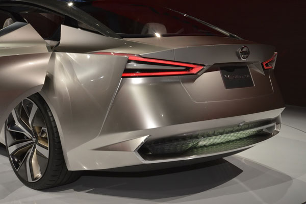 nissan-vmotion-20-concept-7