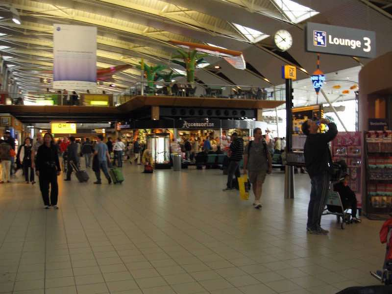 11-amsterdam-schiphol-airport-ams