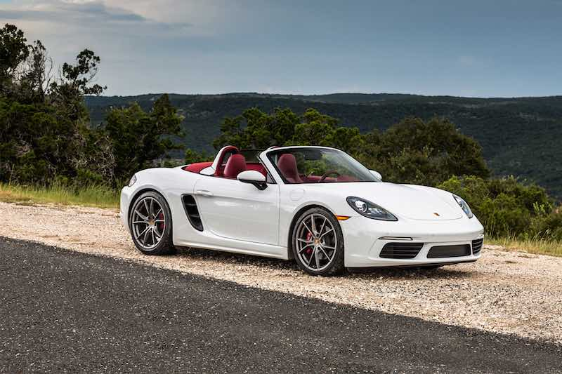 2017-Porsche-718-Boxster-front-three-quarter