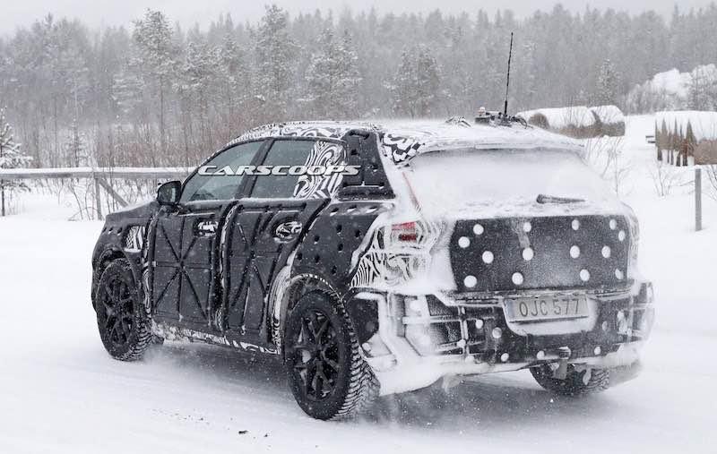 New-VolvoXC40-Spy-3