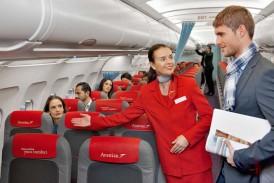 ۱۵ روش برای کم کردن هزینههای سفر؛ این بار از تجربیات مهمانداران هواپیما!