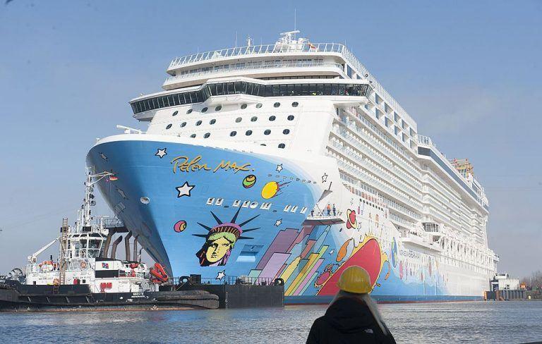 The-Norwegian-Breakaway-cruise-liner-768x488