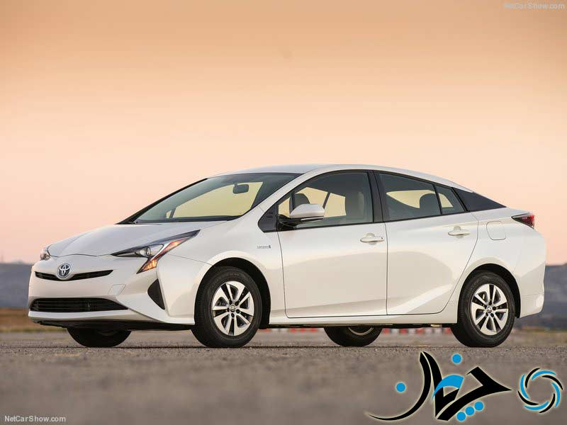 Toyota-Prius-2016-800-01