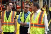 بازدید رئیس فیسبوک از خط تولید فورد F-150 در دیترویت!