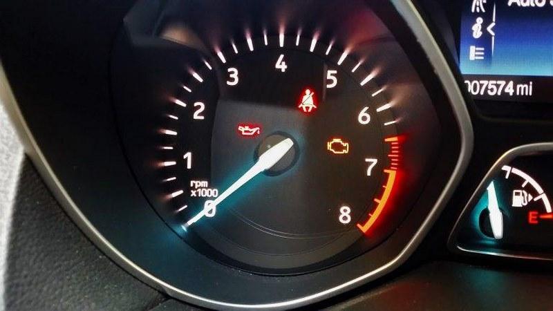 10 نشانه چند مشکل منجر به مرگ خودرومرگ زودهنگام خودرو شما!