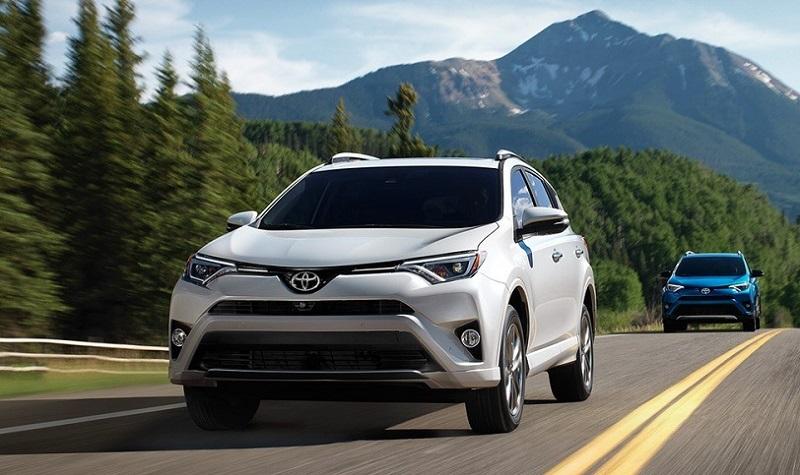 2017-RAV4-Toyota