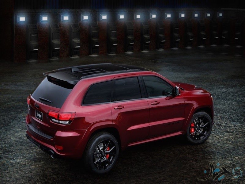 Jeep-Grand-Cherokee-SRT-Night_2