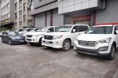 بازار خرید و فروش خودروهای خارجی چشم انتظار کاهش نرخ دلار و تعرفه واردات