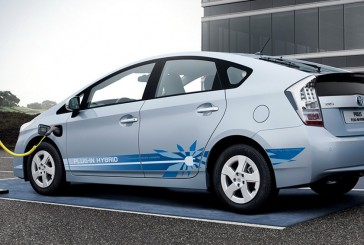 چهار خودروی هیبریدی روز تویوتا در خیابانهای انگلستان خودنمایی میکنند!
