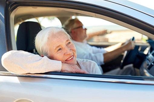 ۱۴ ویژگی جدید و مفید خودروها برای رانندگان سالمند!