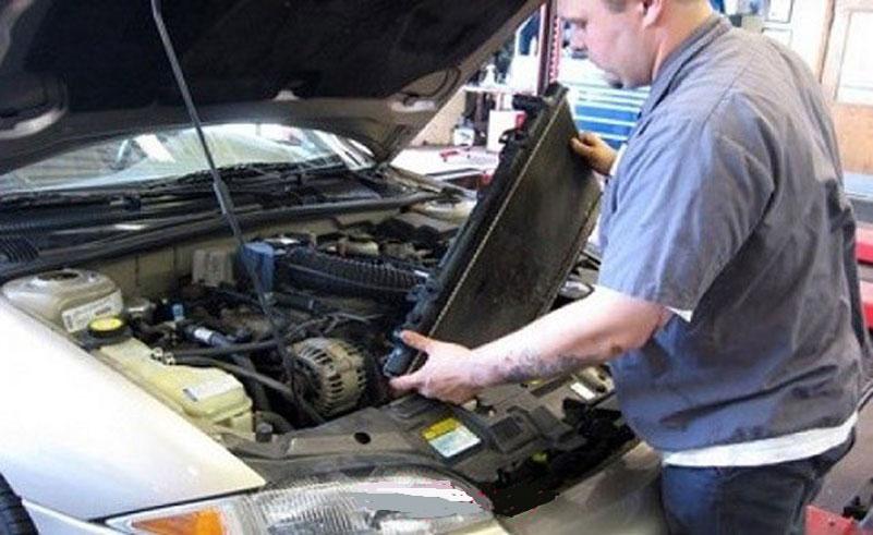 دلایل داغ شدن بیش از حد موتور خودرو چیست و چگونه از آن جلوگیری کنیم ؟